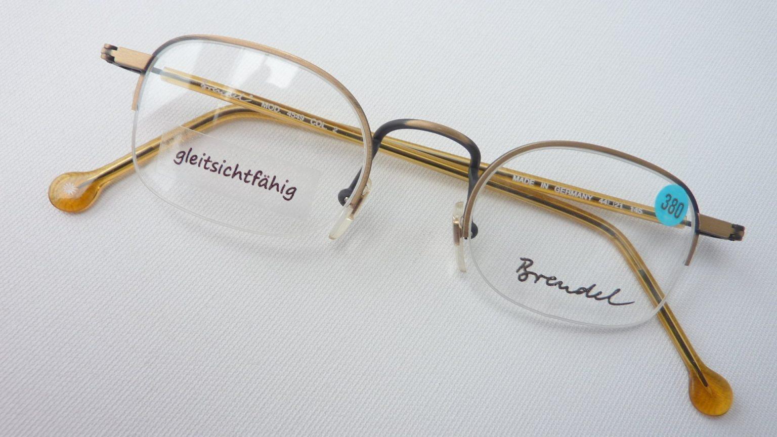 Unauffällige Brille Brendel eckige kleine Glasform nur mit